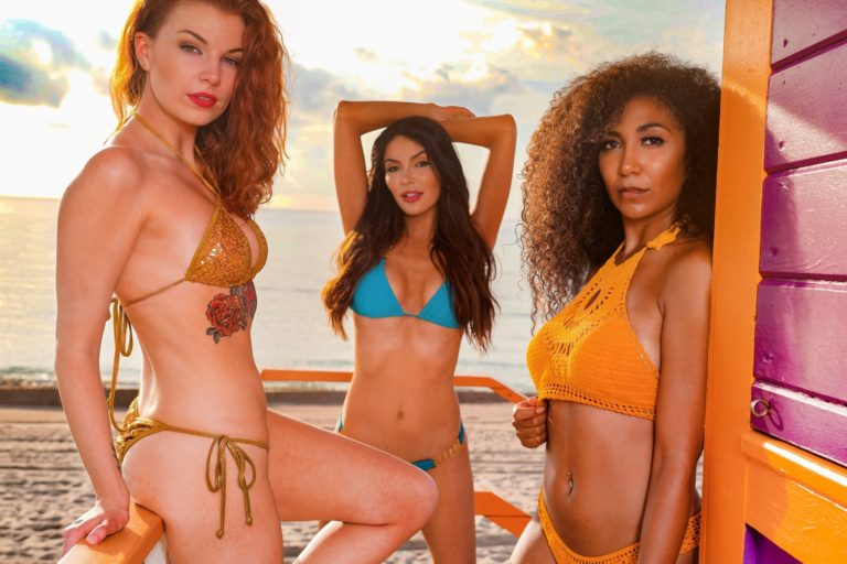 pageant sisters bikini models