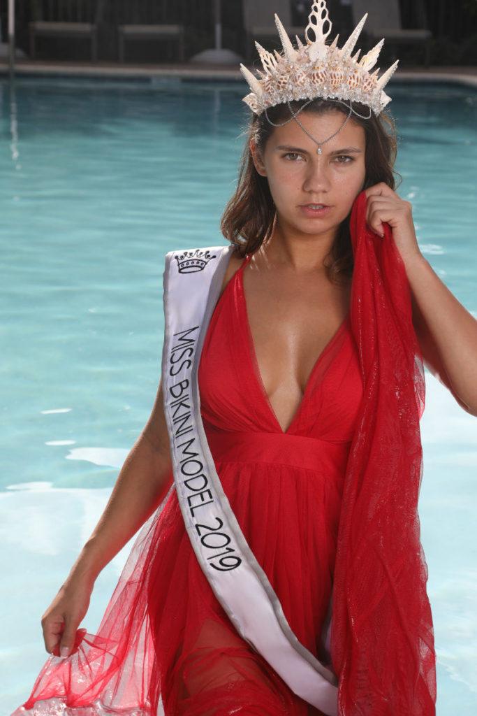 Miss Bikini Model Dare Taylor